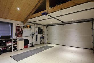 ガレージの中側は完成後も自由にカスマイズ可能